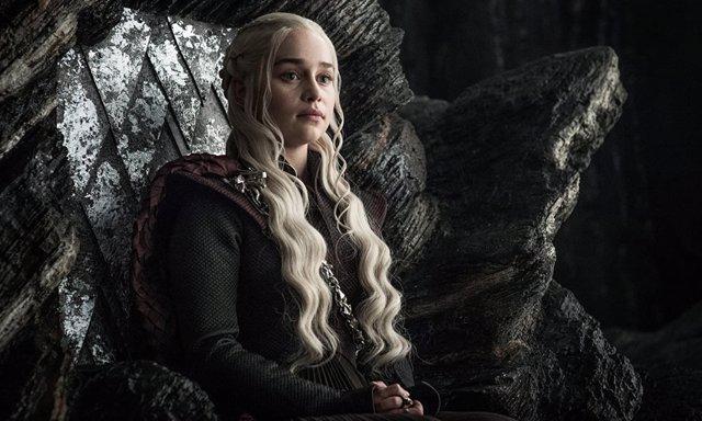Emilia Clarke como Daenery Targaryen