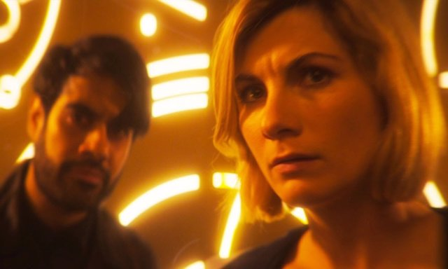 La Doctor junto al Amo en 'The Timeless Child'