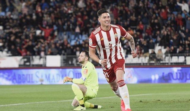 Fútbol/Segunda.- (Crónica) Almería y Huesca apuestan por el ascenso directo