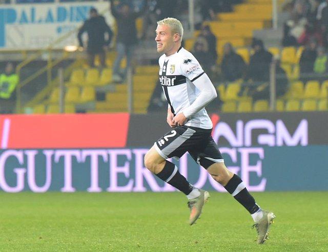 Fútbol.- Los jugadores del Parma y la SPAL no saltan al campo a la espera de si