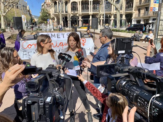 Periodistas se concentran en Barcelona por el Día Internacional de la Mujer