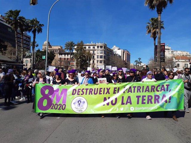 Manifestación por el Día Internacional de la Mujer Trabajadora, en Palma.