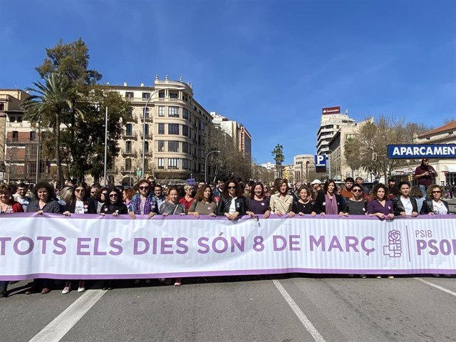 Los socialistas han participado de la manifestación del 8M en Palma.
