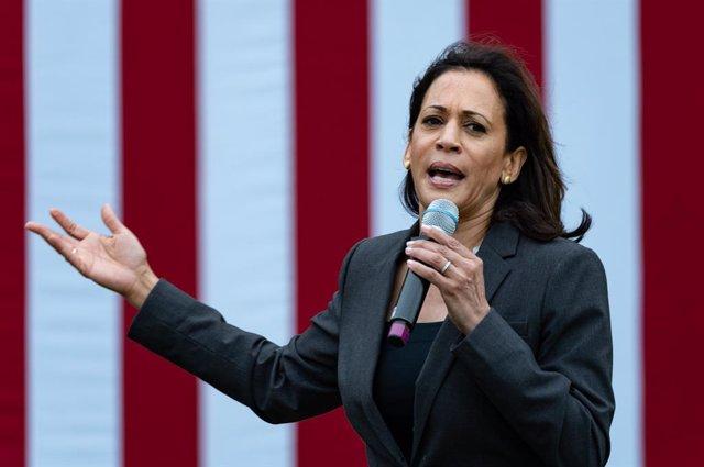 EEUU.- Kamala Harris anuncia que apoya a Joe Biden para la nominación presidenci