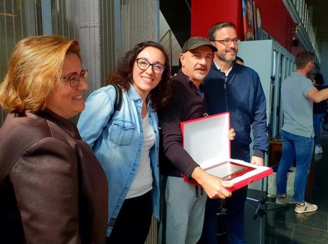 El alcalde de Palma, José Hila, y la regidora de Seguridad Ciudadana, Joana Adrover, han participado en la Diada de los Bomberos de Palma.