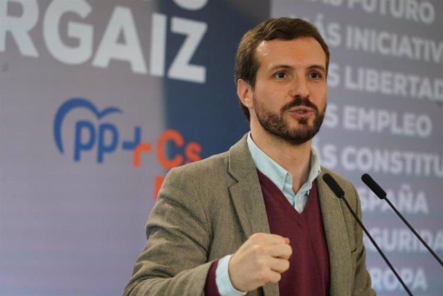 El presidente del Partido Popular, Pablo Casado, interviene en el acto de presentación del candidato a lehendakari de la coalición PP+C's, en Santurce (Vizcaya/País Vasco/España) a 07 de marzo de 2020.