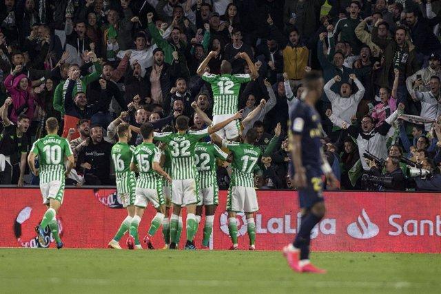 Fútbol/Primera.- Crónica del Real Betis - Real Madrid, 2-1