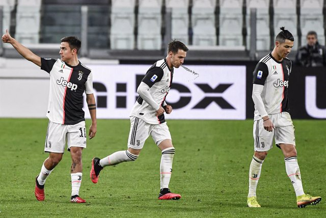 Fútbol/Calcio.- (Crónica) La Juventus se quita de encima al Inter en un Calcio a