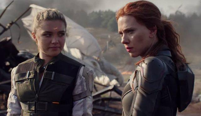 Scarlett Johansson y Florence Pugh en Viuda Negra (Black Widow)