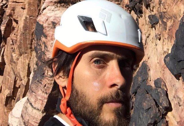 Jared Leto escalando