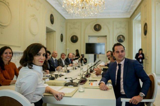 La presidenta de la Comunidad de Madrid, Isabel Díaz Ayuso durante el Consejo de Gobierno extraordinario para abordar la situación del coronavirus en la región, en Madrid (España), a 9 de marzo de 2020.