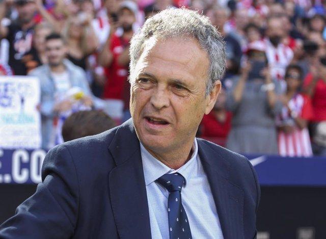 Fútbol.- Joaquín Caparrós deja el Sevilla para dirigir a la selección de Armenia