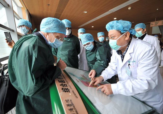Coronavirus.- Wuhan, epicentro del coronavirus, baja por primera vez de los 20 c