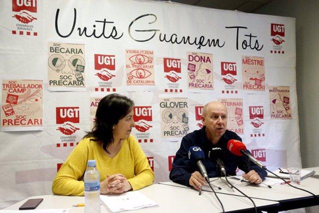 La portaveu de la sectorial d'autònoms de la UGT, Sandra Zapatero, i el secretari general del sindicat a comarques gironines, Xavier Casas, aquest 10 de març del 2020. Pla general (Horitzontal)