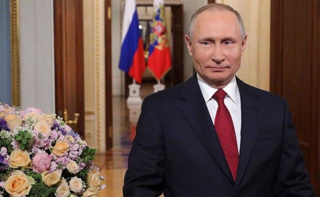 Rusia.- Una diputada afín a Putin propone eliminar el límite de mandatos preside