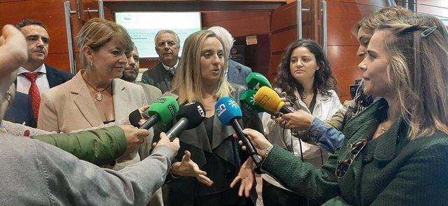 La consejera de Fomento, Infraestructuras y Ordenación del Territorio, Marifrán Carazo, ha presentado este martes en Huelva el proyecto Innova Odiel
