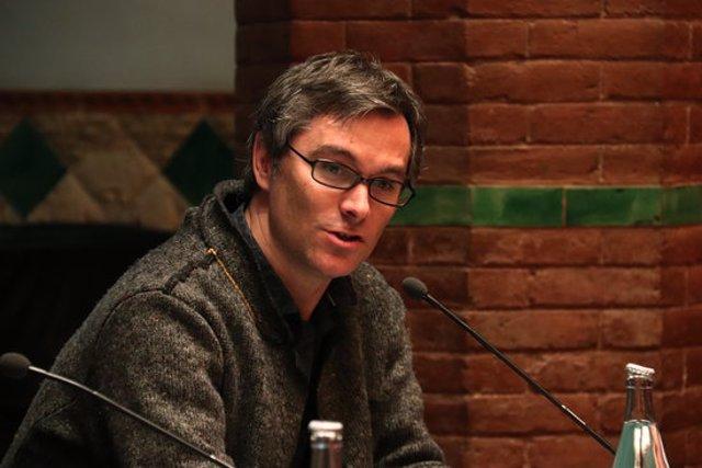 El director de Vespres Arnadí, Dani Espasa, durant la presentació del cicle Vespres Barrocs al Palau. Imatge el 10 de març de 2020. (Horitzontal)