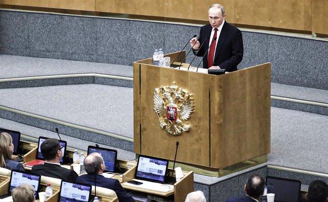 Rusia.- El Parlamento ruso da luz verde a que Putin pueda seguir como presidente