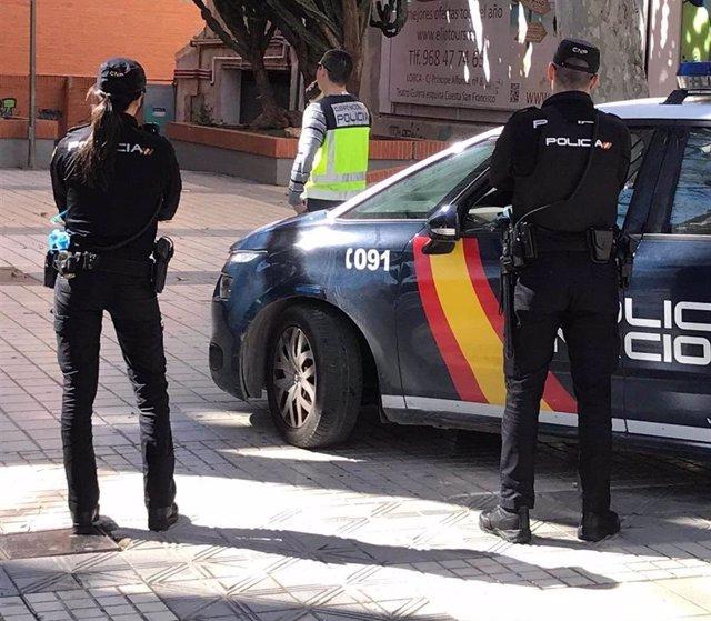 Varios agentes de la Policía Nacional en una imagen de archivo.