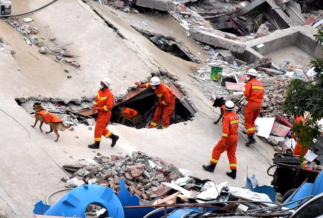 Coronavirus.-Ascienden a 20 los muertos por el derrumbe de un hotel designado pa