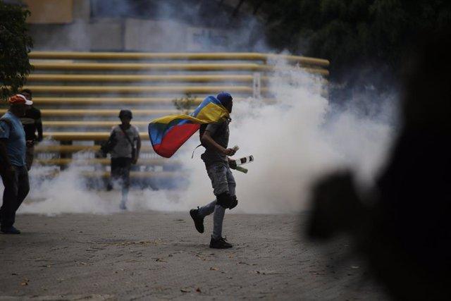 AMP2.- Venezuela.- Las fuerzas 'chavistas' impiden a la marcha encabezada por Gu