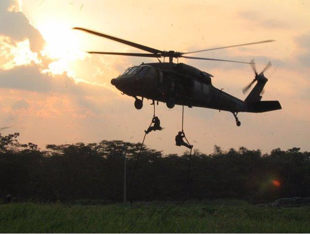 Colombia.- La Fiscalía de Colombia investigará el viaje en un avión del Ejército