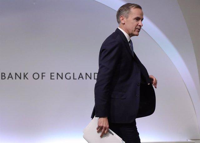 Economía.- El Banco de Inglaterra baja por sorpresa medio punto los tipos, hasta