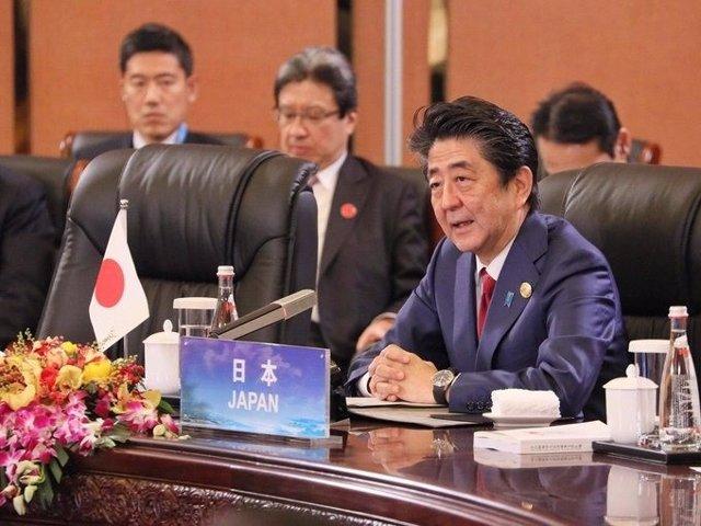 Coronavirus.- Japón ampliará diez días el cierre de colegios y la prohibición de