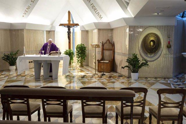 Coronavirus.- El Papa reza por los presos ante la emergencia en una nueva misa m