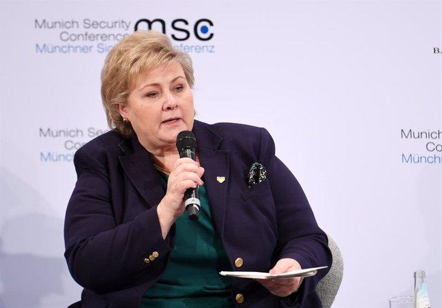 Noruega.- La primera ministra de Noruega se enfrenta a una remodelación de Gobie
