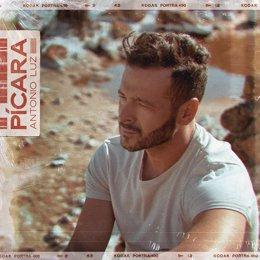El cantautor Antonio Luz publica su nuevo single, 'Pícara'.