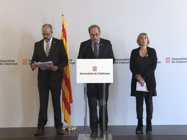 El president de la Generalitat, Quim Torra, juntament amb la consellera de Salut, Alba Vergés, i el conseller de l'Interior, Miquel Buch.