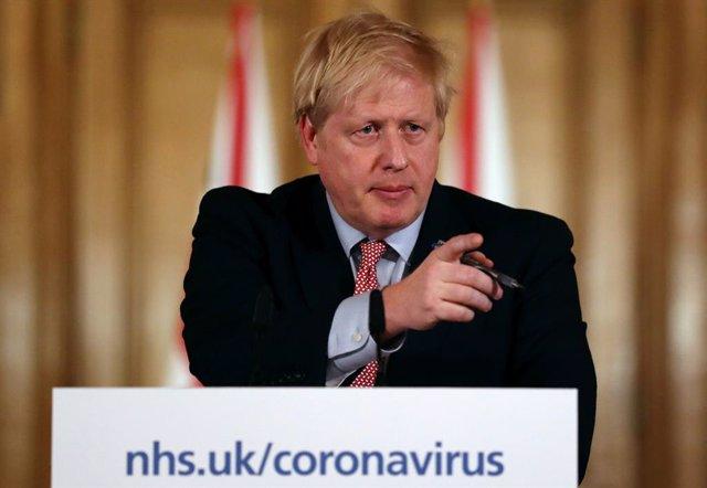 """Coronavirus.- Johnson califica el brote de coronavirus como """"la peor crisis sani"""
