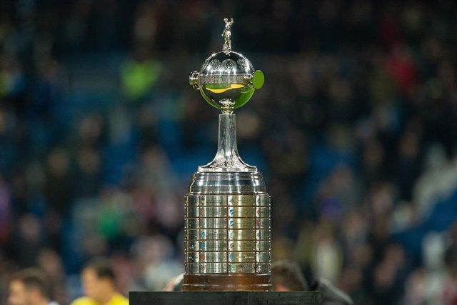Fútbol.- La CONMEBOL suspende la Libertadores y pospone sus partidos de clasific