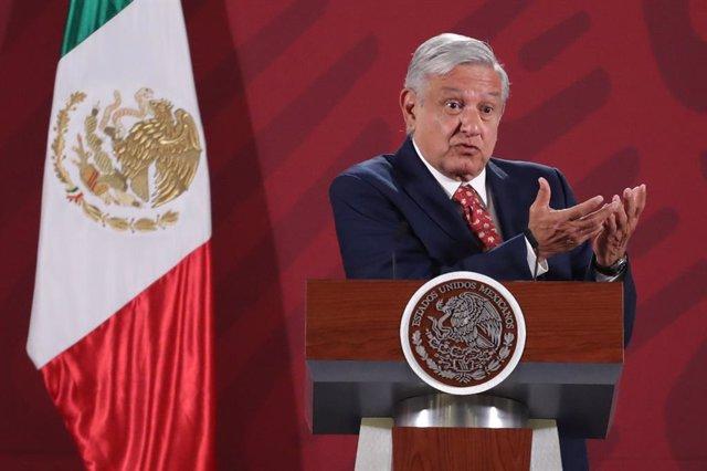 México.- López Obrador pide a los senadores del PAN que aprueben la reforma cons