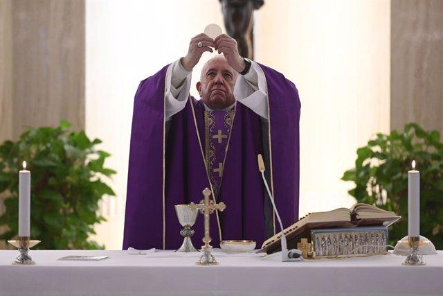 Vaticano.- El Papa cumple este viernes siete años de Pontificado en medio de la