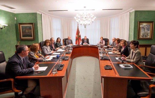 Foto del Consejo de Gobierno extraordinario presidido por Urkullu.