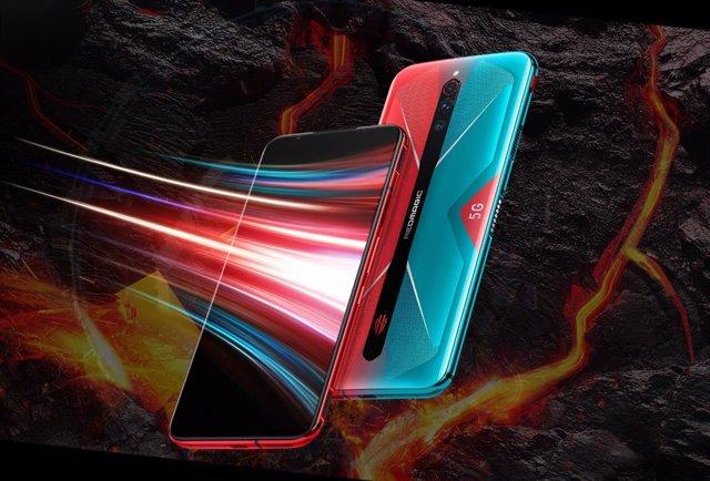 Nubia introduce un ventilador interno en su móvil 'gaming' Red Magic 5G, con 144