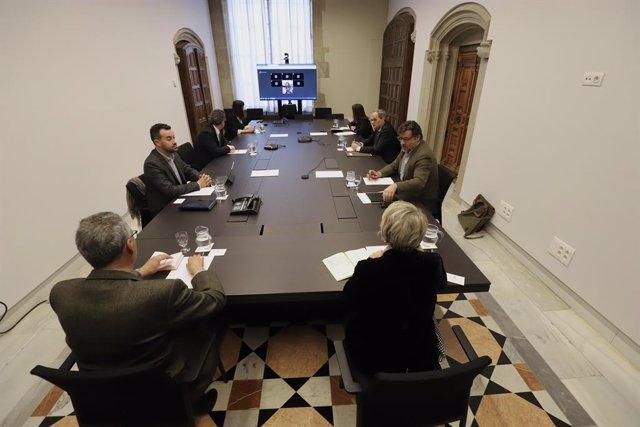 Reunió del president del Govern amb l'àmbit local per abordar la gestió del coronavirus.