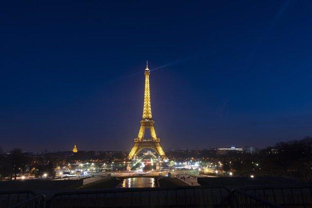 Coronavirus.- La Torre Eiffel cierra sus puertas de forma indefinida a causa del
