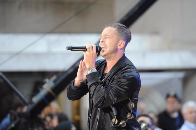 "September 27, 2019 - New York, New York, USA: Front man Ryan Tedder of the platinum winning band One Republic rocks NBC's Today Show with their hit ""Counting Stars"" at Rockefeller Plaza. (Sam Simmonds/Contacto)"