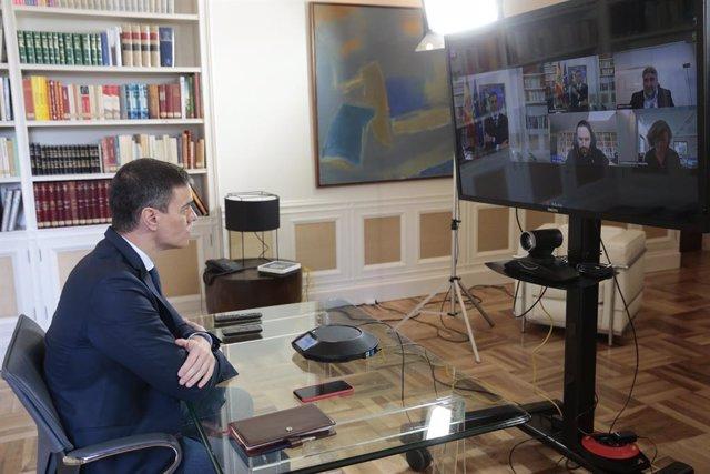 El president del Govern, Pedro Sánchez, presideix per videoconferència la reunió interministerial per al seguiment de mesures pel coronavirus, en la Moncloa, a Madrid (Espanya), a 13 de març de 2020.
