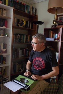 El escritor Dioni Arroyo.
