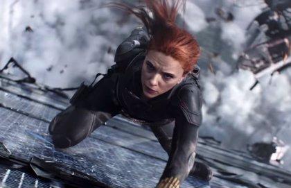 """Scarlett Johansson: Las heroínas como Viuda Negra deberían ser algo más que """"Batman con tacones"""""""