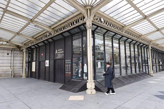 Francia.- Los 'chalecos amarillos' regresan a las calles de París a pesar de las