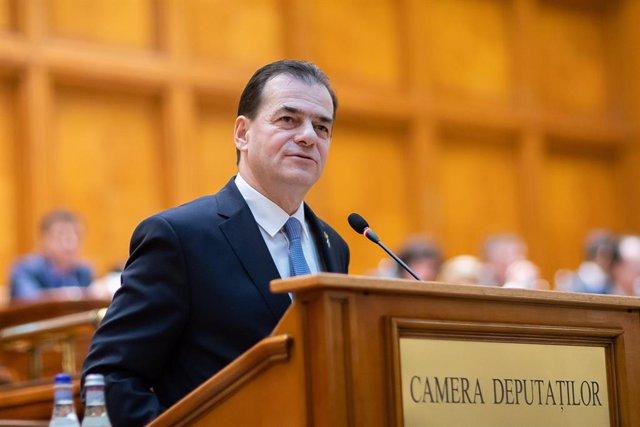 Rumanía.- El primer ministro rumano logra la confianza del Parlamento y cierra l