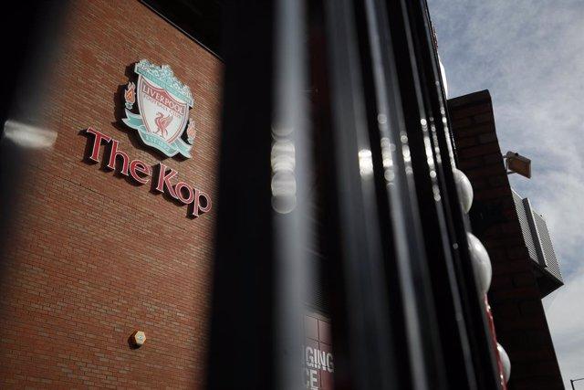 Fútbol.- El presidente de la FA teme que la Premier League no se pueda terminar