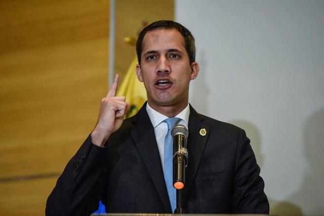 Venezuela.- Guaidó suspende las movilizaciones contra Maduro por el coronavirus