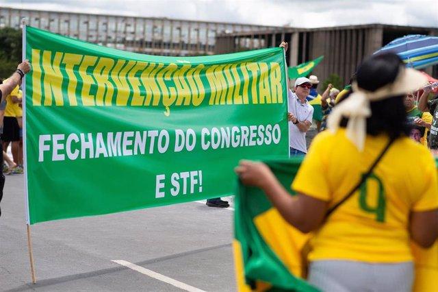 Manifestación a favor de Bolsonaro y de un golpe de Estado en Brasil