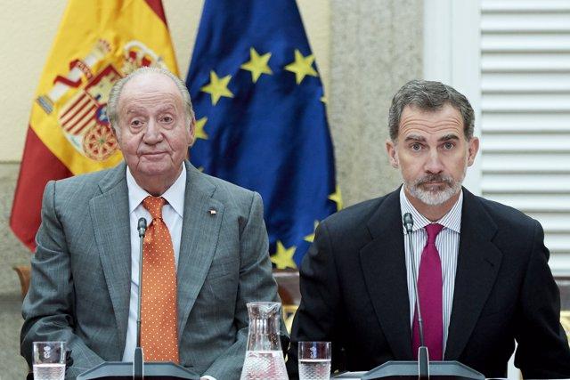 El Rey emérito Juan Carlos y el Rey Felipe VI